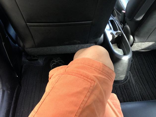 ノート 後席の足下スペース