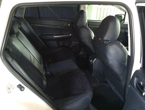 レヴォーグ2.0GT-S 後部座席