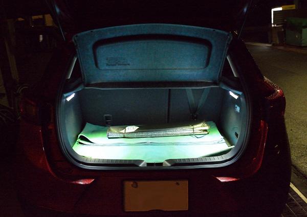 マツダCX-3 XDツーリング ラゲッジ照明