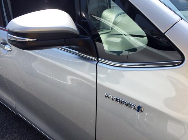 トヨタ新型エスクァイア ハイブリッド