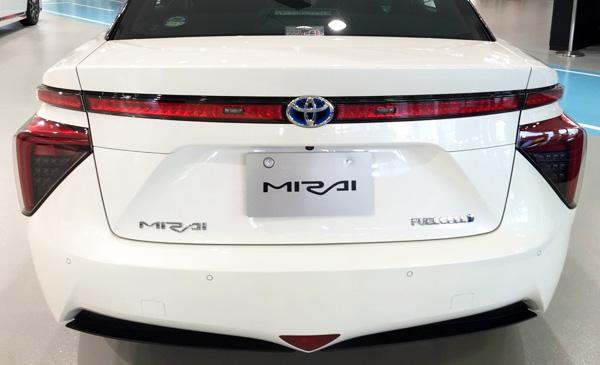 FCV燃料電池自動車トヨタMIRAI(ミライ) リア