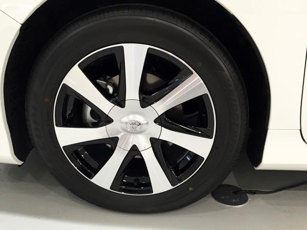 FCV燃料電池自動車トヨタMIRAI(ミライ) タイヤホイール