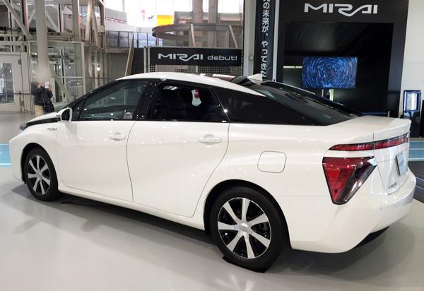FCV燃料電池自動車トヨタMIRAI(ミライ)
