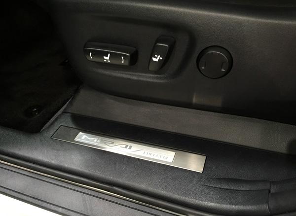 FCV燃料電池自動車トヨタMIRAI(ミライ) 運転席・助手席8ウェイパワーシート&電動ランバーサポート
