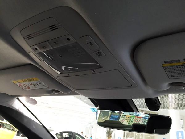 FCV燃料電池自動車トヨタMIRAI(ミライ)ルームランプスイッチ