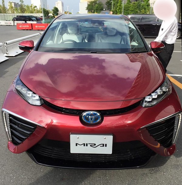FCV燃料電池自動車トヨタMIRAI(ミライ)試乗車