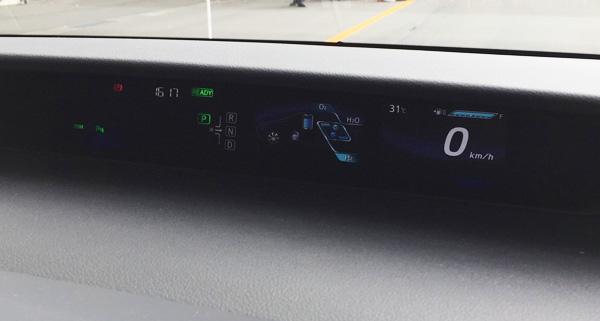 FCV燃料電池自動車トヨタMIRAI(ミライ)メーター