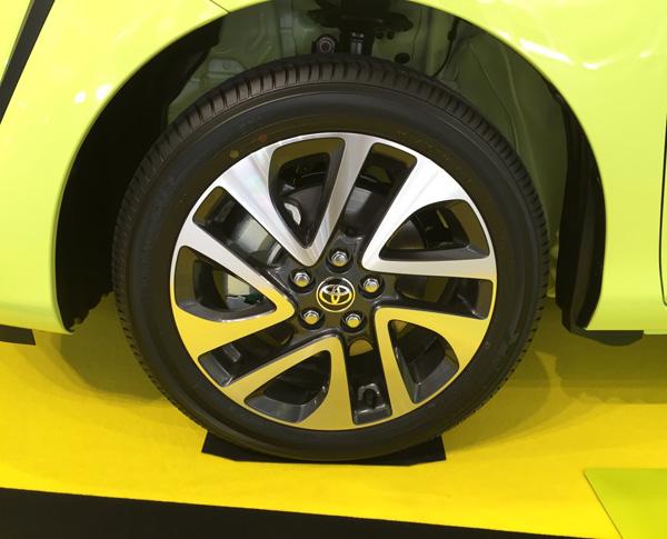 トヨタ新型シエンタ タイヤホイル