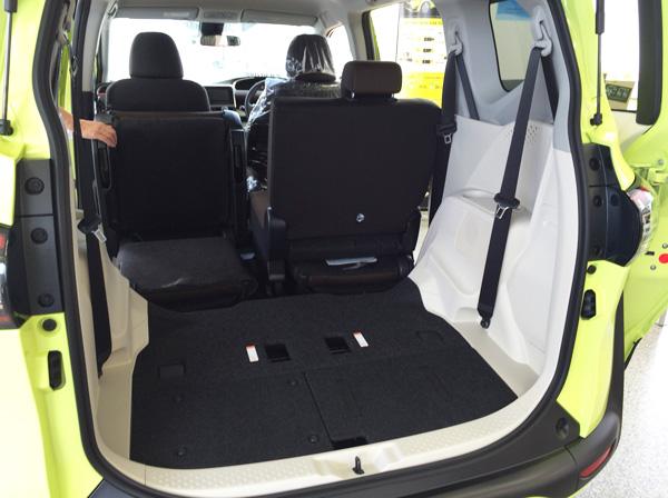 トヨタ新型シエンタ サードシート格納