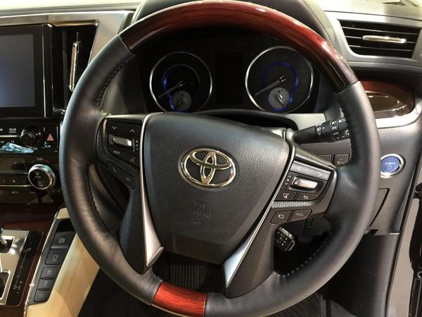 トヨタ新型ヴェルファイア 本革巻き+茶木目調4本スポークステアリング