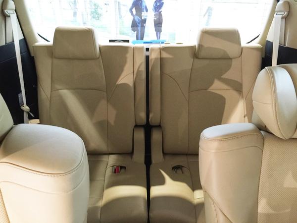 トヨタ新型ヴェルファイア サードシート