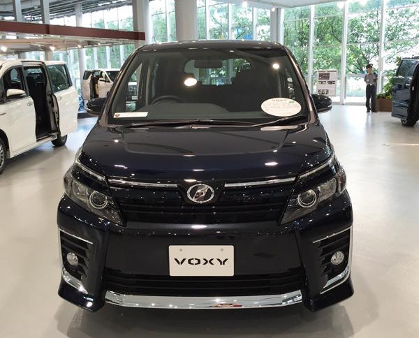 トヨタ新型ヴォクシー ZS