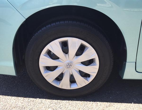 トヨタ新型ヴォクシー タイヤ