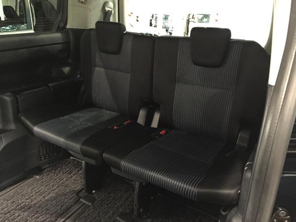 トヨタ新型ヴォクシー サードシート