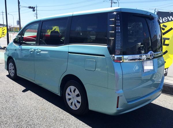 トヨタ新型80系ヴォクシー ノーマル仕様