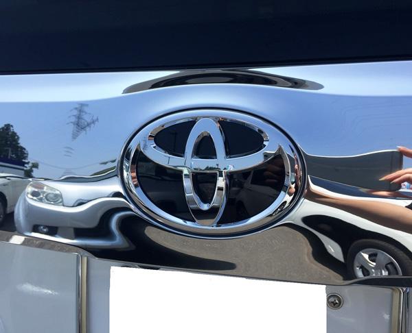 トヨタ30系新型アルファード トヨタエンブレム