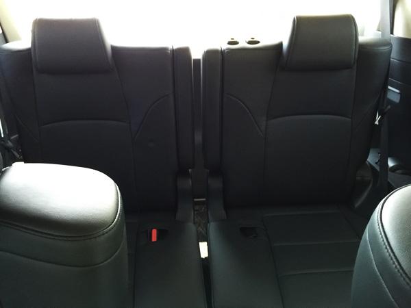 トヨタ30系新型アルファード 本革シート3列目