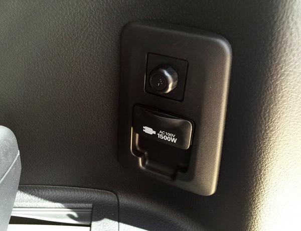 トヨタ30系新型アルファード AC100V1500W電源
