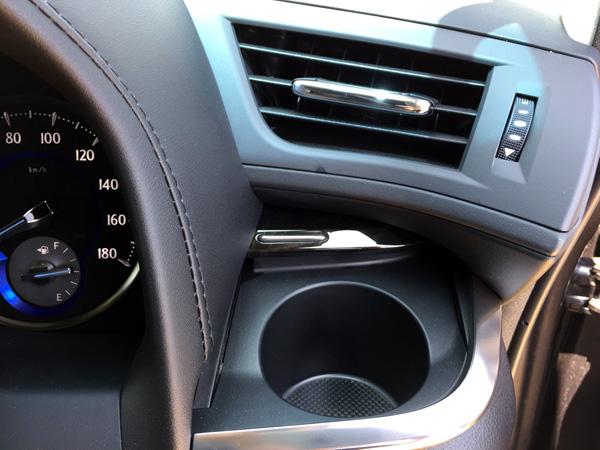 トヨタ30系新型アルファード ドリンクホルダー