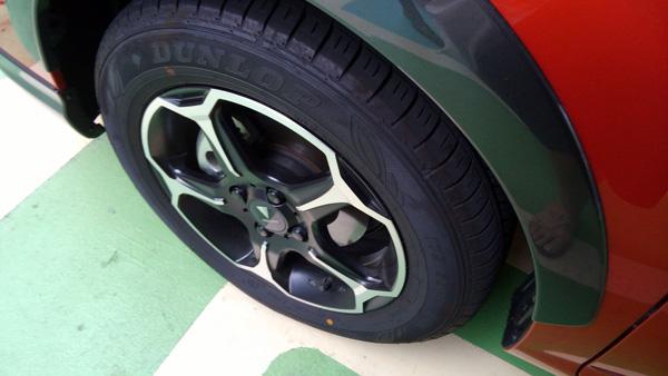 トヨタ・カローラフィールダー ハイブリッドGグレードモデリスタ