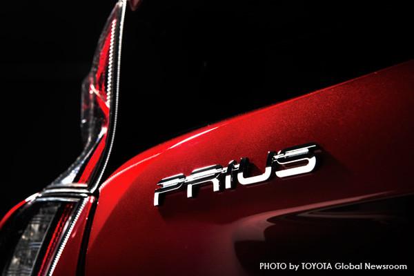 トヨタ新型プリウス プレート
