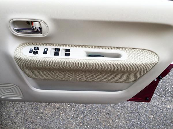 スズキ新型ラパン 運転席ドア