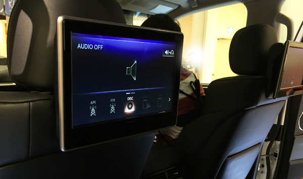 レクサス新型LX570 リヤシートエンターテインメントシステム