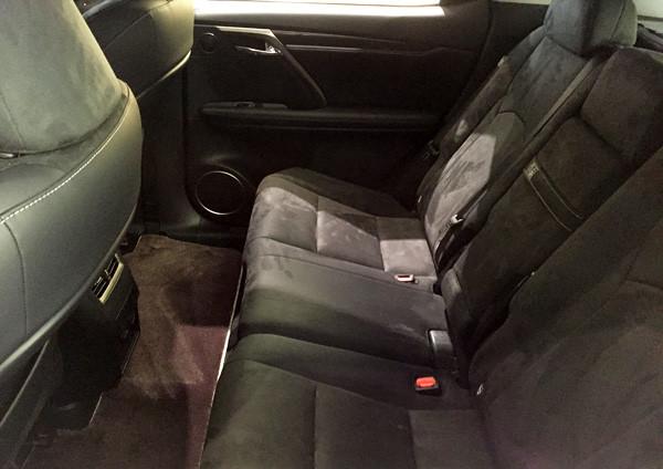 レクサス新型RX 200t 後席