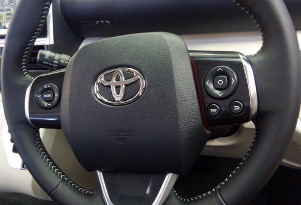 トヨタ新型シエンタ ハイブリッド車Gグレードのハンドル