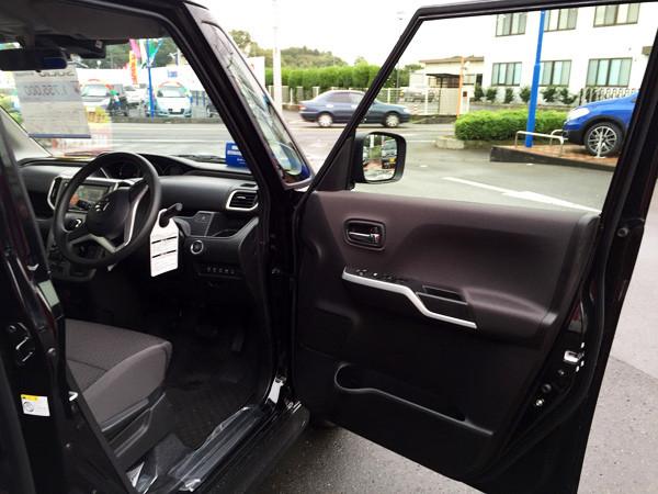 スズキ新型ソリオ 運転席ドア