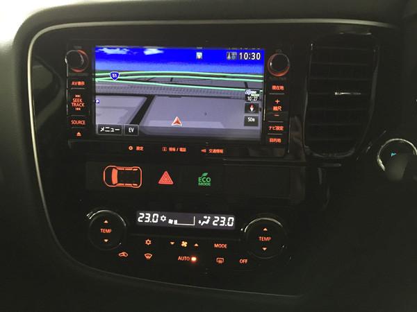 三菱・アウトランダーPHEV フルオートエアコン