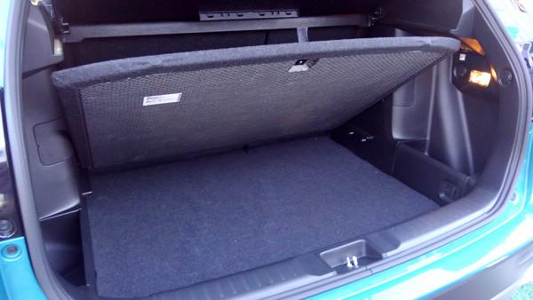 スズキ・新型エスクード ラゲッジボード