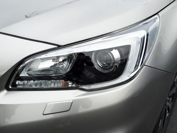 スバル・レガシィ アウトバック Limited LED2灯ロービーム+ハロゲンハイビームランプ(ブラックベゼル)