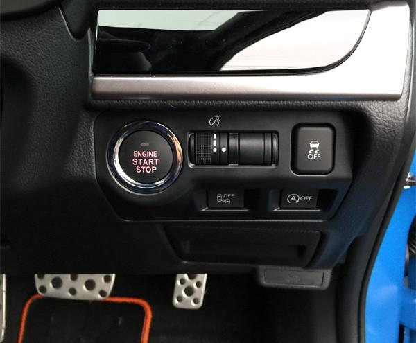 スバル・XV ガソリンモデル エンジンスタートボタン