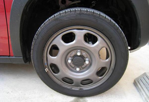 スズキ・ハスラー「G」2トーンルーフ仕様車 タイヤサイズ165-60-15