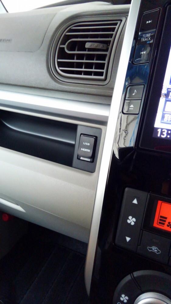 ダイハツ・タント USB・HDMI端子