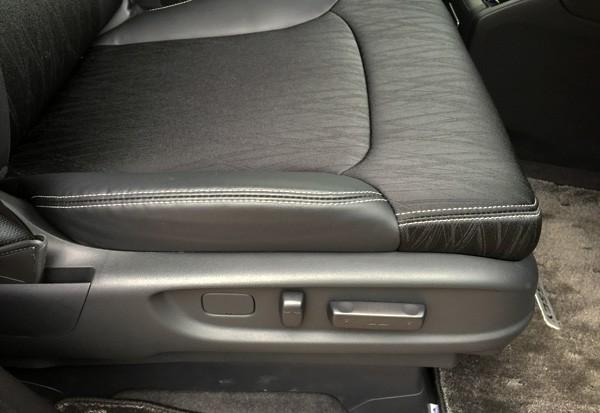 ホンダ・オデッセイ HYBRID ABSOLUTE Honda SENSING Advancedパッケージ 運転席8WAYパワーシート