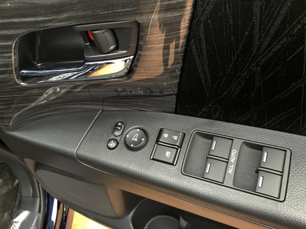 ホンダ・オデッセイ HYBRID ABSOLUTE Honda SENSING Advancedパッケージ ドアスイッチパネル