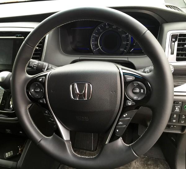 ホンダ・オデッセイ HYBRID ABSOLUTE Honda SENSING Advancedパッケージ 本革巻きステアリング