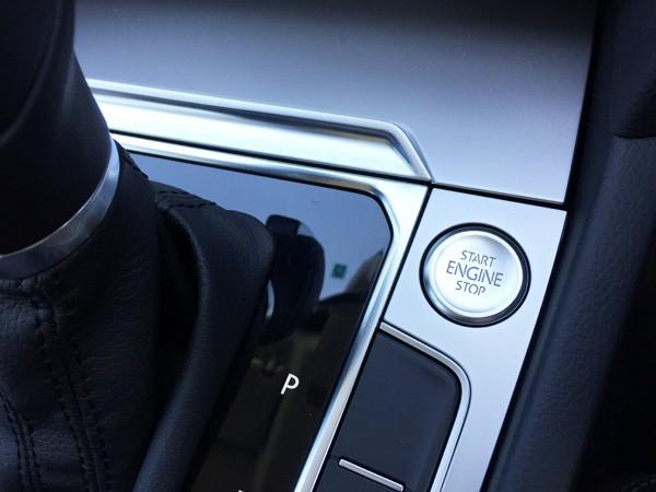 フォルクスワーゲン・パサートヴァリアント エンジンスタートボタン