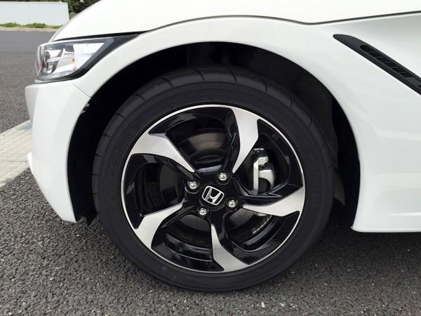 ホンダ・S660 フロントタイヤ&ホイール 165/55R15 75V