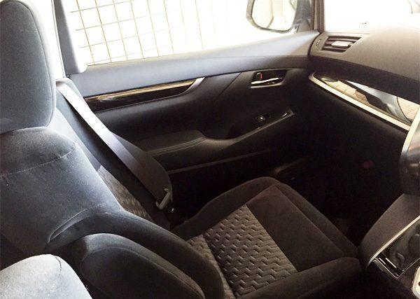 トヨタ・アルファード 2.5L S Aパッケージ  助手席(通常位置)