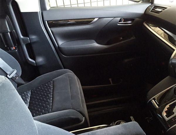 トヨタ・アルファード 2.5L S Aパッケージ  助手席(ロングスライド位置)