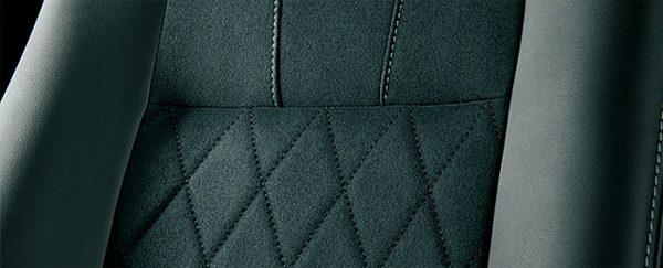 トヨタ・エスティマ AERAS PREMIUM-G シート表皮「ブランノーブ+合成皮革」