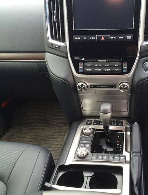 トヨタ・ランドクルーザー200 ZX モードセレクタースイッチ類