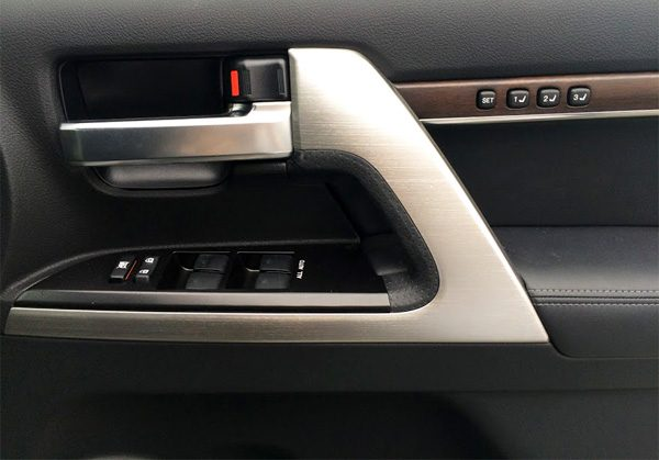 トヨタ・ランドクルーザー200 ZX ポジションメモリー