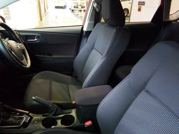 トヨタ・オーリス 150X シート(ファブリック)