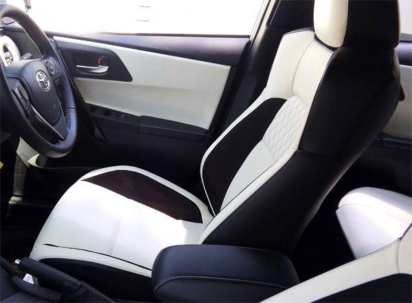 トヨタ・オーリス ハイブリッドGパッケージ 運転席シート(本革×ウルトラスエード)