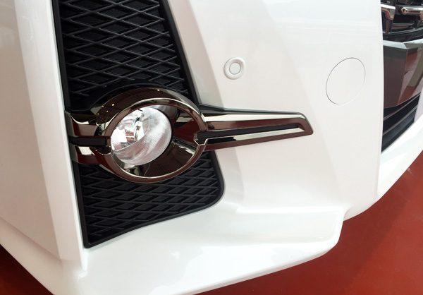 トヨタ・アルファード 特別仕様車タイプブラック(TYPE BLACK) フォグランプメッキガーニッシュ