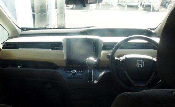ホンダ・フリード  G Honda SENSING(ガソリン車) 内装